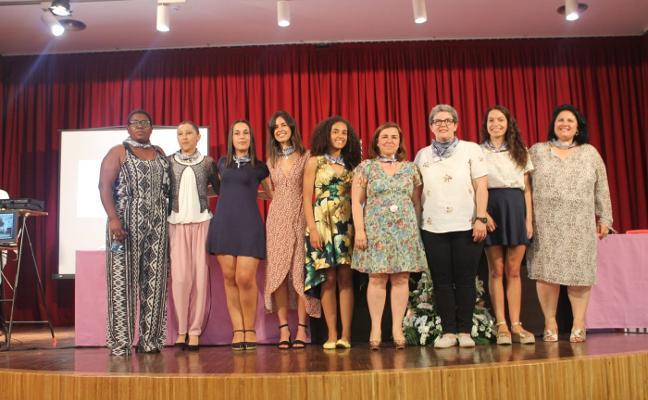 Siete mujeres se encargan de pregonar las fiestas del Carmen en Tapia