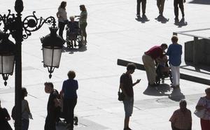 Gobierno y oposición señalan la necesidad de mejorar el empleo para fijar población