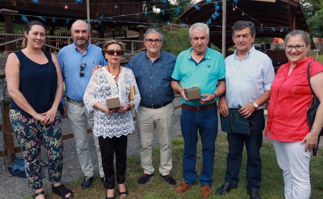 Cenera homenajea a sus abuelos