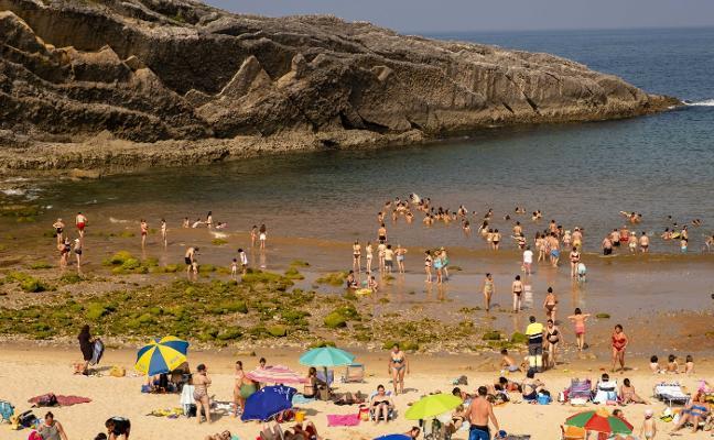 Una jornada de 30 grados en Asturias antes de un descenso de temperaturas