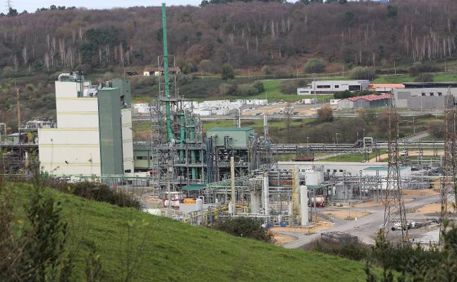 DuPont activa una hora su plan de emergencias ante el riesgo de fuga en una de sus plantas