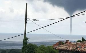 Un 'tornado' en la costa de Llanes