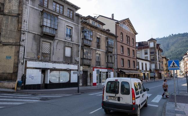 Piloña detecta 75 edificios que deben pasar la inspección técnica este año