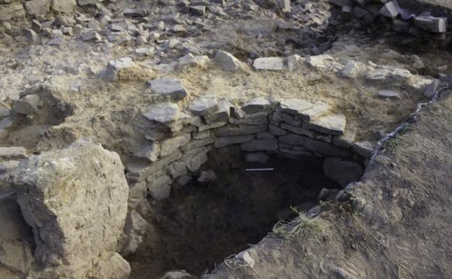 Descubren un horno de la Edad de Bronce en Belmonte de Miranda
