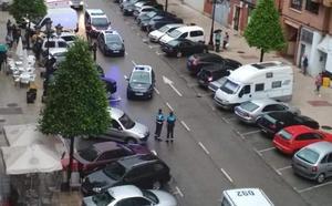 Detenido por embestir con su furgoneta una terraza en la avenida de Torrelavega