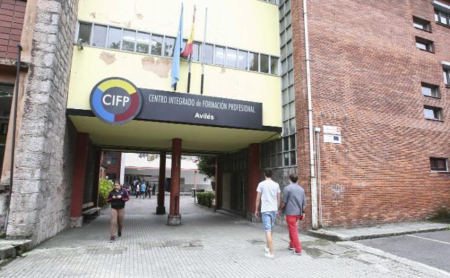CC OO reclama más plazas en el Centro de Formación Profesional Avilés