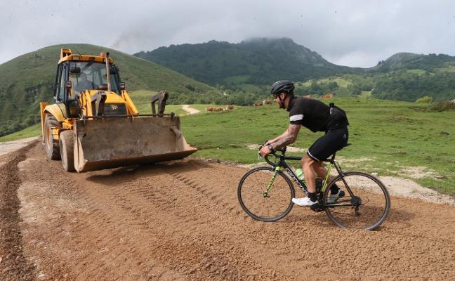 Nava inaugurará la mejora de la carretera a Les Praeres el 18 de agosto con un ascenso ciclista