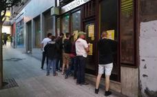 La asociación de ultraderecha Acción Social ataca la sede de Glovo en Gijón