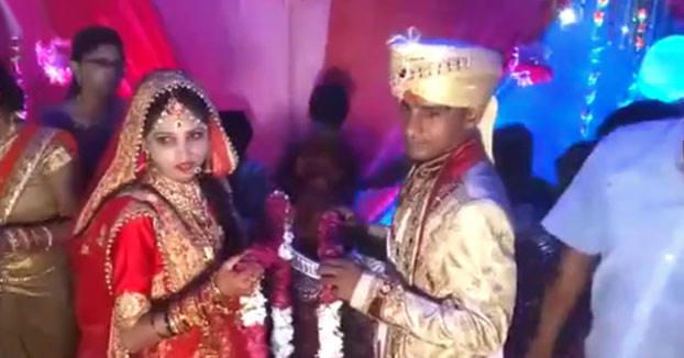 En esta boda india se rifan las bofetadas