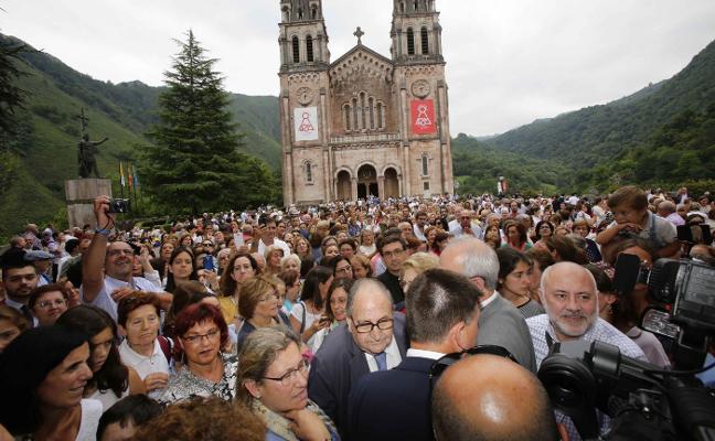 Unos 2.000 fieles con el Opus Dei en Covadonga