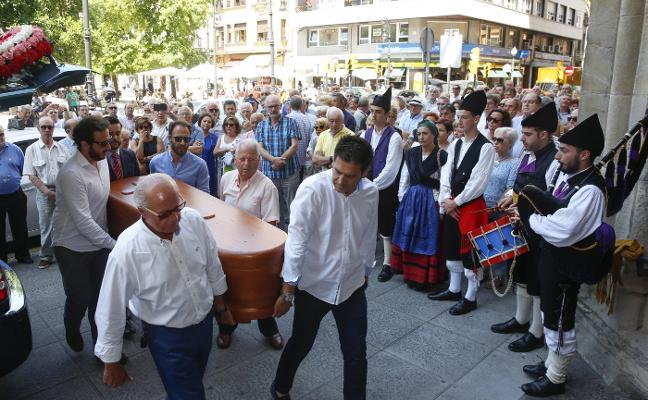 San Lorenzo despide con música a 'El Mariñán'