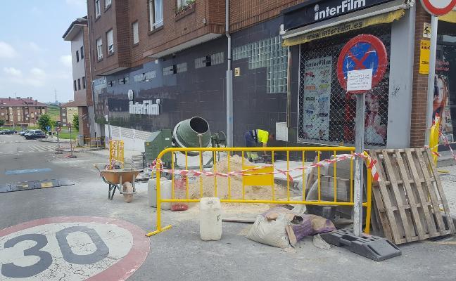 El Ayuntamiento reurbaniza la calle Carmen Sarmiento de Los Campos