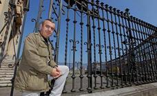 Lorenzo Silva: «Escribir novela negra de la Guardia Civil fue como acostarse en una cama de alfileres»