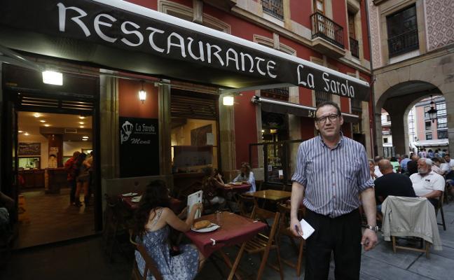 Encuentran pidiendo trabajo en una sidrería de Gijón a la niña desaparecida el viernes