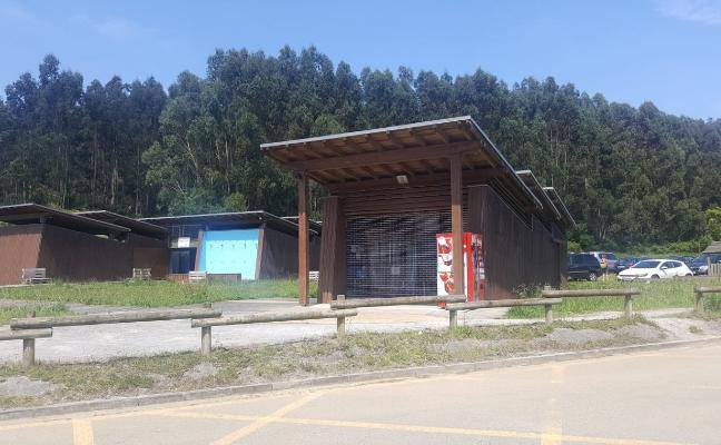 El PP achaca a la «desidia» del alcalde que el bar de Rodiles continúe cerrado