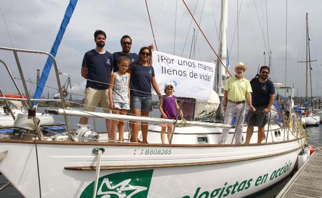 Ecologistas en Acción abre su velero para luchar contra la contaminación y la sobrepesca