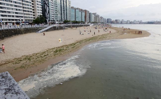 Rescatado en San Lorenzo un bañista a punto de ahogarse