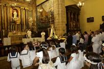 La salea de la patrona abre las fiestas del Carmen en Lastres
