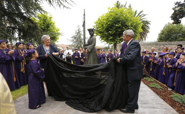 Villaviciosa homenajea a su cofradía