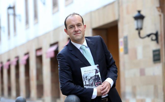 Iván de Santiago abre los encuentros ciudadanos con escritores ovetenses