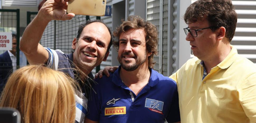 Fernando Alonso pondrá a prueba a los aficionados a la conducción en la Feria de Muestras