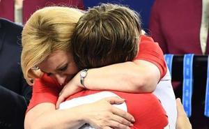 Kolinda Grabar-Kitarovic, presidenta de Croacia, la otra estrella de la final del Mundial de Rusia 2018