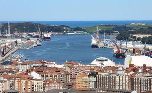 El puerto de Avilés supera el ecuador del año con una subida de un 10,53 %
