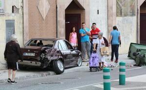 Aparatoso accidente sin heridos en Avilés