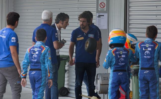 Fernando Alonso buscará a los mejores pilotos virtuales en la Feria de Muestras