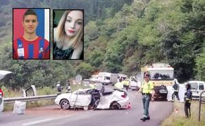 Conmoción y duelo por la muerte de los dos jóvenes en el accidente de Cangas