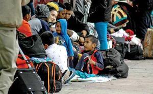 Un juez de EE UU suspende temporalmente las deportaciones de las familias de inmigrantes reunidas