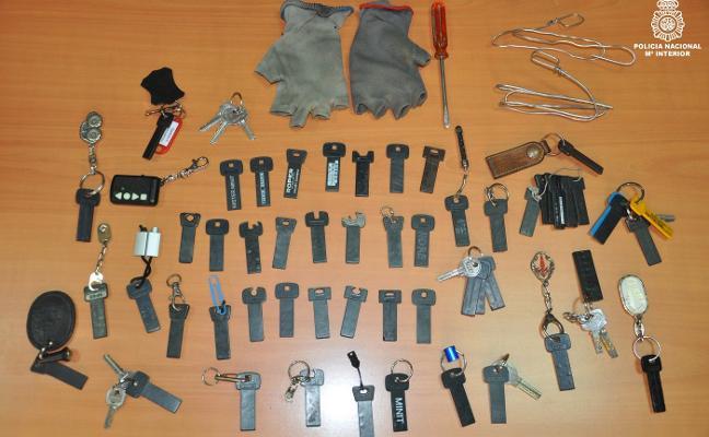 La Policía arresta a un joven por cometer robos en garajes de Oviedo, Siero y Gijón