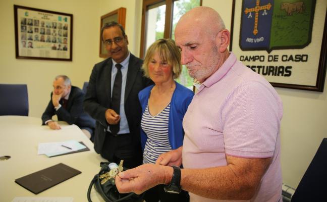 Lastra entrega la Casa del Urogallo a Caso para «saldar el agravio a Tarna»