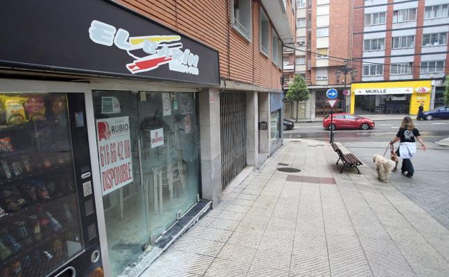 Investigan si el incendio de un bar junto al campus de los Catalanes fue provocado