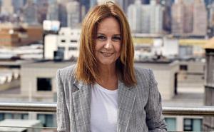 La escritora María Dueñas, en el inicio del nuevo ciclo Palabra del Niemeyer