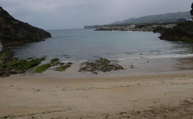 La falta de análisis impide rellenar El Sablón con la arena del puerto llanisco