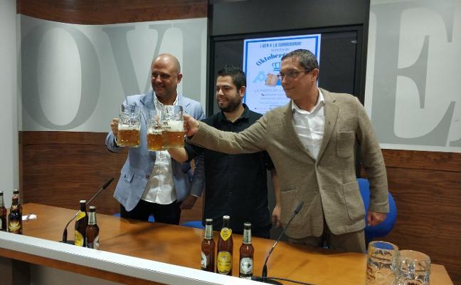 La fiesta de la cerveza de Oviedo incorpora música en directo y un concurso de comer salchichas