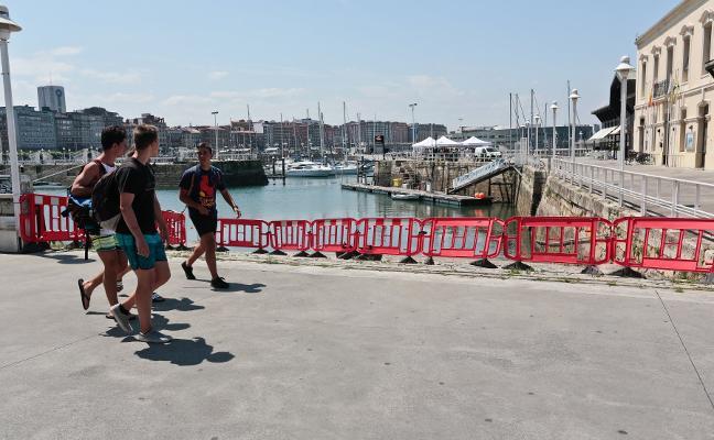 El Puerto Deportivo reforzará la presencia policial para evitar que se arrojen desperdicios