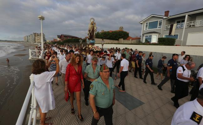 La Cofradía del Carmen de Salinas suma ya más de trescientos cofrades