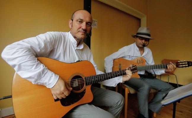 Guitarras bajo techo en Villa Magdalena