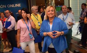 Mercedes Fernández anuncia que apoyará a Soraya Sáenz de Santamaría