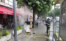 Los Bomberos sofocan un incendio en una sidrería de Los Telares