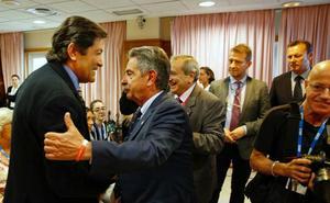 Los presidentes de Asturias y Cantabria rechazan que sea el momento de reformar la Constitución