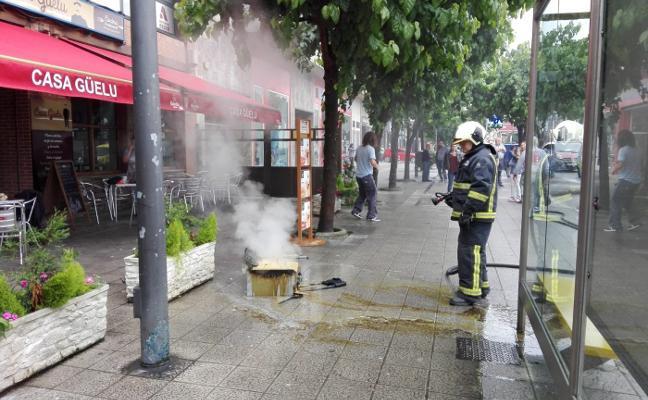 Una freidora provoca un incendio en una sidrería de la avenida de Los Telares