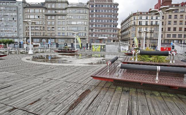 El Puerto renovará toda la tarima del espigón de Fomento y reducirá su superficie