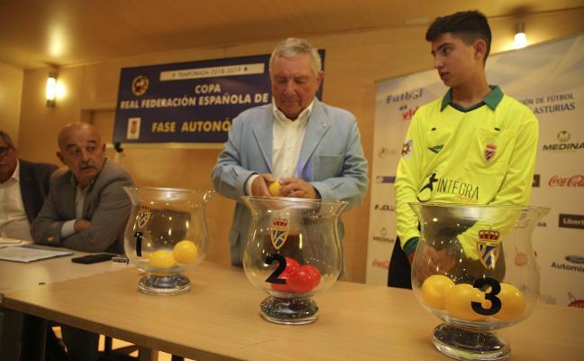 El Sporting B se medirá al Praviano y al Covadonga