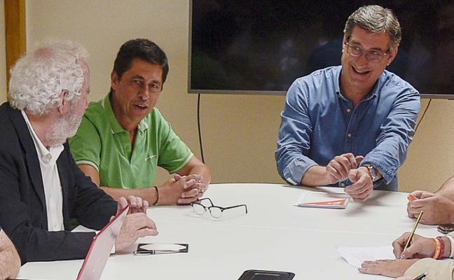 Prendes pide a Fernández que «exija» en Madrid una reforma inminente de la financiación