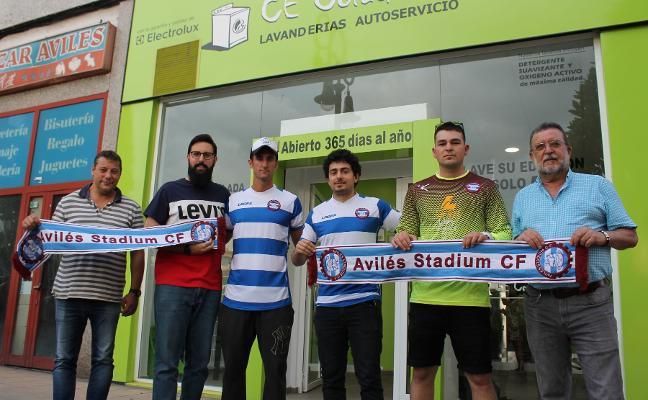 El Stadium presenta a Adrián, Guille Vigil y Juanes y el Navarro ficha a Manu