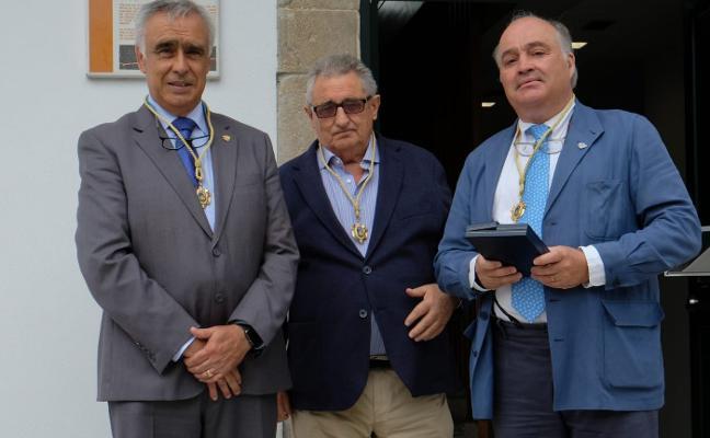 Castropol homenajea a sus tres alcaldes en la inauguración del Ayuntamiento