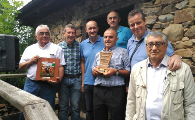 Los vaqueiros reivindican el uso del asturiano del Occidente